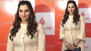 Sania Mirza looks gorgeous at Mother's Day event;Watch video