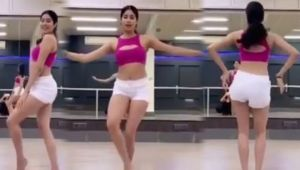 Jhanvi Kapoor learns belly dance; video goes viral; Check Out