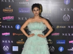 IIFA Awards 2019: Mouni Roy Exudes Soothing Vibes With Her Feathered Gown