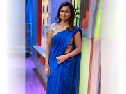 Tamil Actress Ramya Pandian Graces Cook With Comali Show In A Blue Khadi Linen Sari