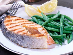 Could a Diet High in Fish and Flax Help Prevent Broken Hips