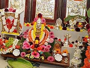 Pooja Room Decor Ideas For Varalakshmi Festival Boldsky Com