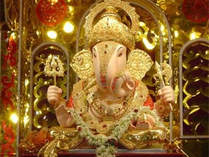 Decorate Pooja Room For Ganesh Chaturthi