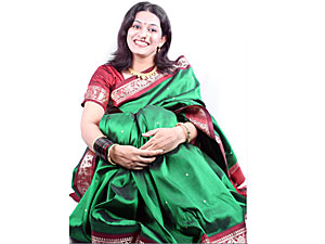 Wear Saree As Postpartum Clothing