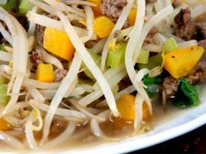 American chop suey vegetarian recipe boldsky american chop suey recipe forumfinder Images