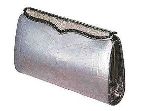 5e3800cd523e Top 5 Expensive Handbag Brands! - Boldsky.com
