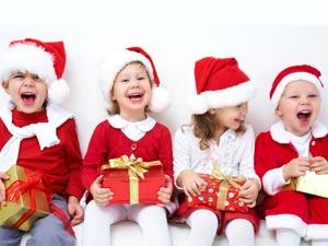 Deciding Kids Outfits For Christmas Party - Boldsky.com