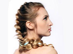 Phenomenal 8 Steps To Make French Braid Hairstyle Boldsky Com Short Hairstyles Gunalazisus
