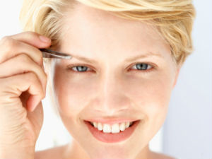 Shaping Eyebrows At Home : 5 Thumb Rules