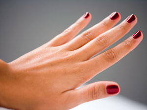 Remedies To Lighten Dark Finger Joints