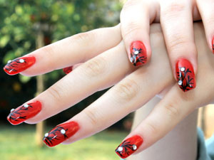Red Nails With Art