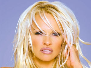 Pamela Anderson & Her Vegan Diet Secrets!! - Boldsky.com