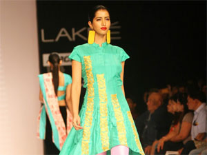 Lakme Fashion Week 2012 Goes Indian