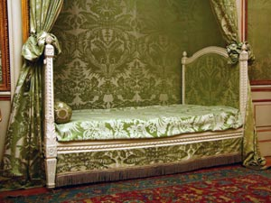 Royal Decor Ideas For Your House Boldskycom