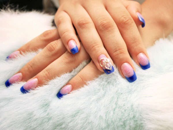 How To Apply This Nail Art?