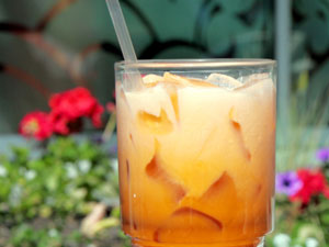 Iced Tea With Ice Cream: Summer Drink!