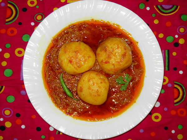 Sweet & Spicy Aloo Ki Sabji