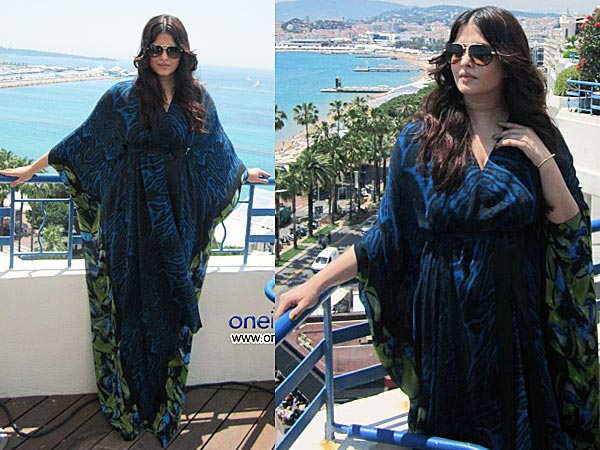 Aishwarya Rai Stuns Everyone At Cannes!
