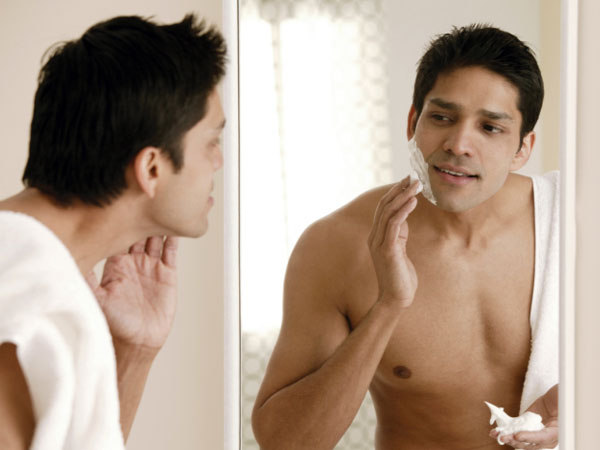 How Men Should Shave Beard?