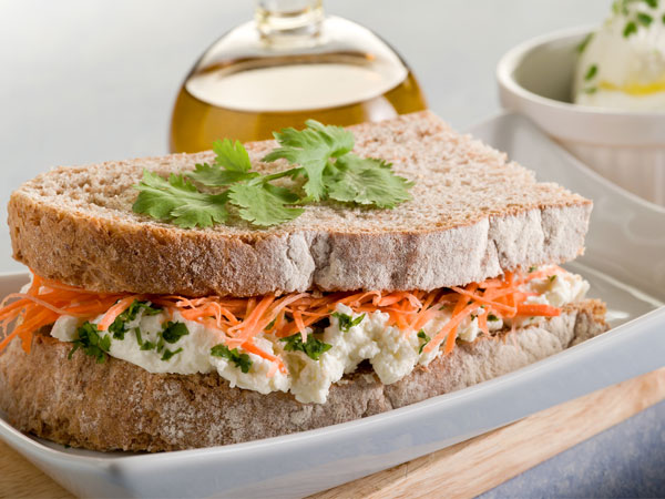 Carrot & Raisins Sandwich