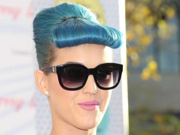 Fancy Blue Up Hairdo