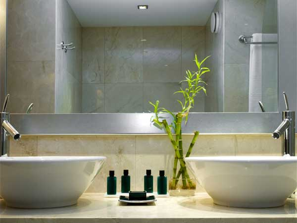 feng shui bathroom colors decorating how to feng shui your bathroom boldsky 23149