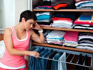 Organise Your Closet To Cut The Clutter