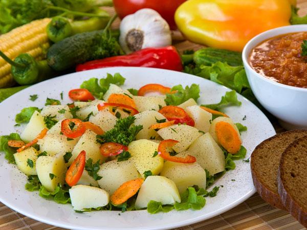 Yummy Potato Vegetable Salad Recipe - Boldsky.com