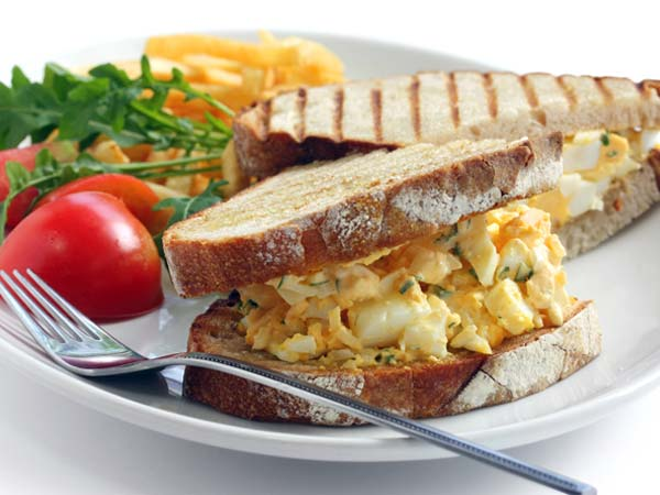 5 Minutes Egg Sandwich For Breakfast