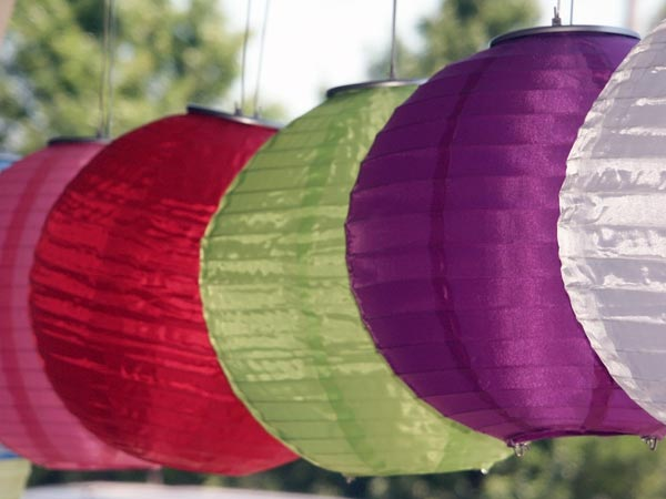 How To Decorate Home With Lanterns?