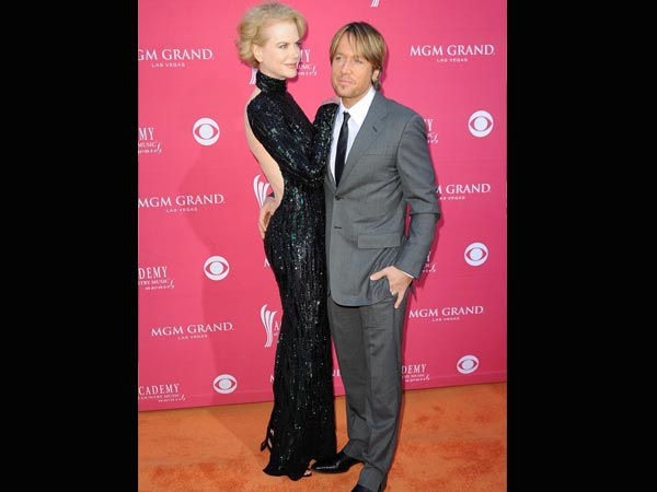 Famous tall woman short man couples