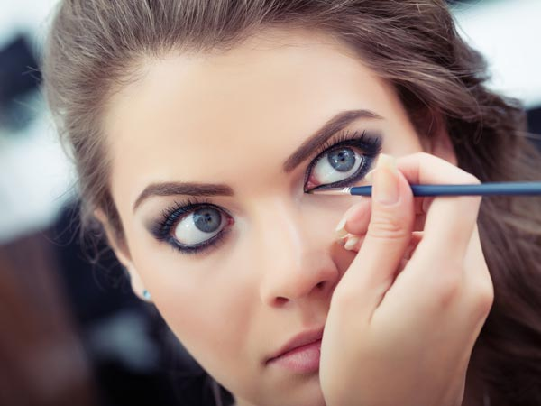 Different Ways To Use A Kohl/Kajal