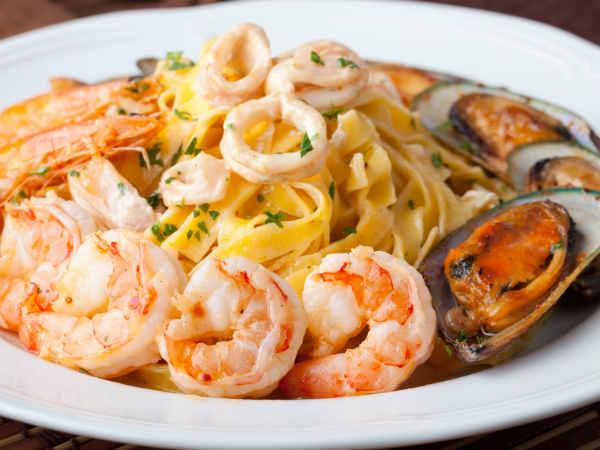 Prawn pasta recipe italian sea food mix - Italian cuisine pasta ...