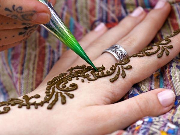 Как рисовать хной на руках пошаговая инструкция для