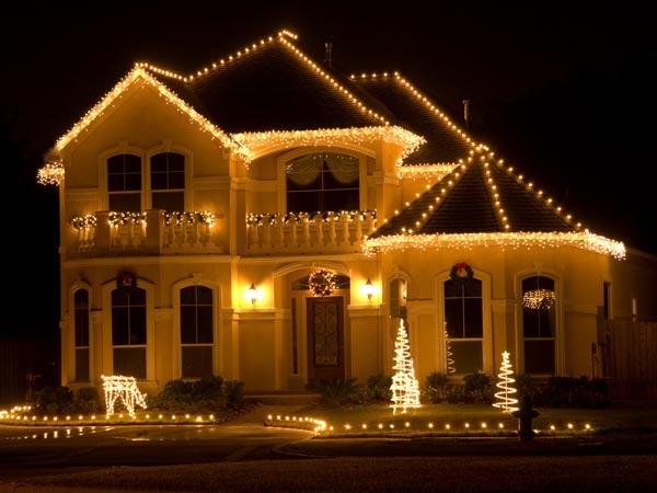 Outdoor lighting ideas for christmas boldsky array aloadofball Images
