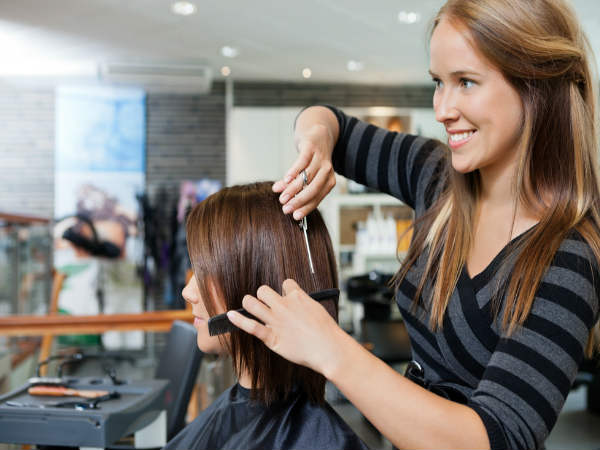 5 Signs That You Need Hair Makeover