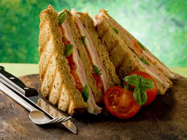 Healthy Tomato and paneer Sandwich Recipe