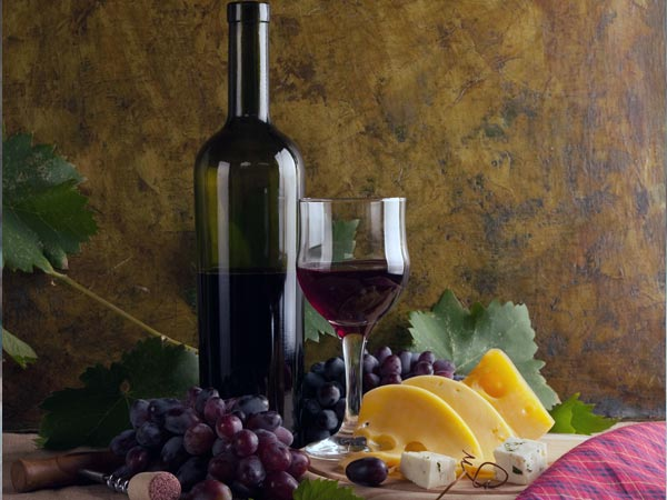 Wine Benefits Your Skin