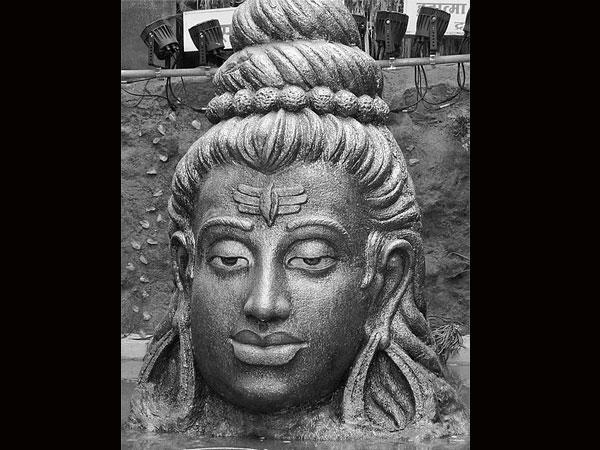 10 Holy Lord Shiva Symbols - Boldsky.com