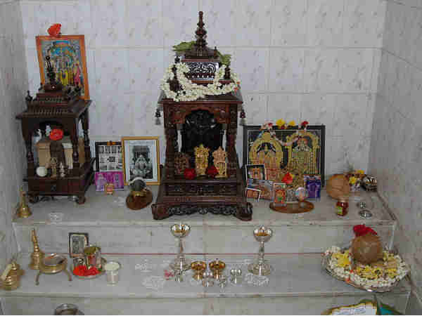 Best Designs For Puja Room - Boldsky.com