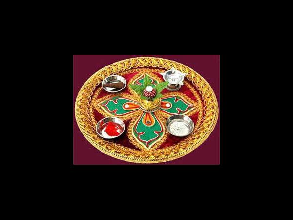 Navratri aarti thali decoration ideas for Aarti thali decoration pictures navratri