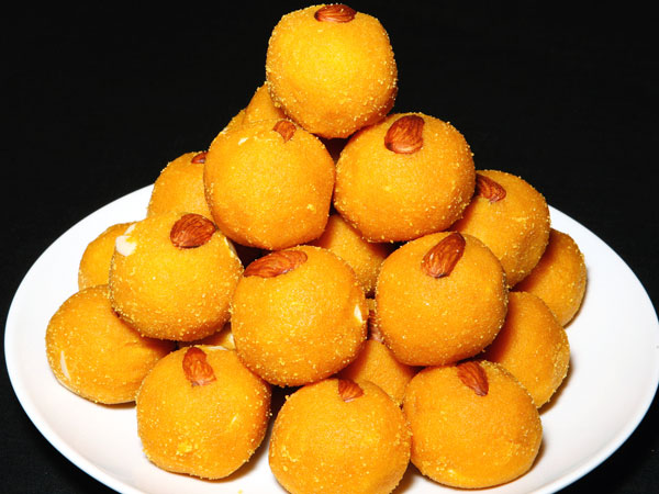 10 Awesome Ladoo Recipes For Diwali