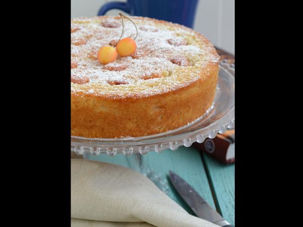 X Mas Spcl: Fresh Cherry & Rum Cake - Boldsky.com