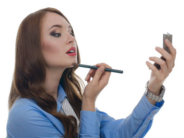 5 Minute Makeup For Office Look Your Best Everyday! - Boldsky.com