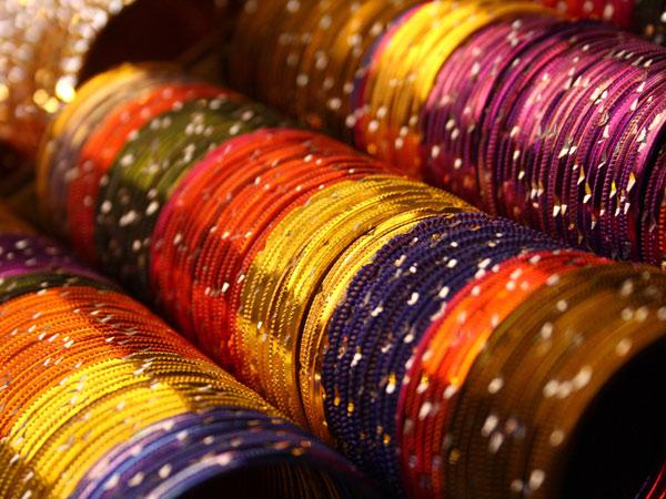 Why Married Women Wear Bangles? - Boldsky com