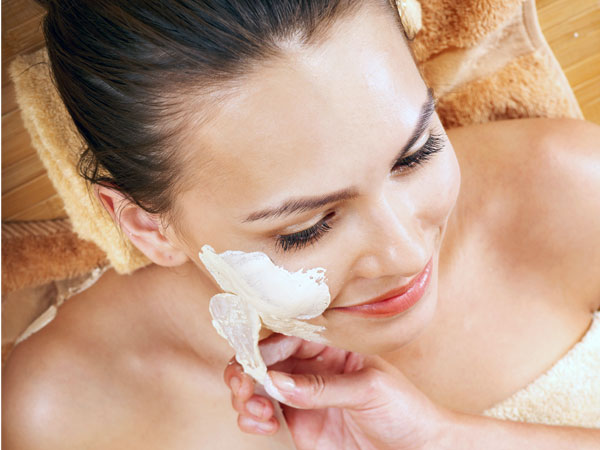 Facial Bleach Benefits On The Skin