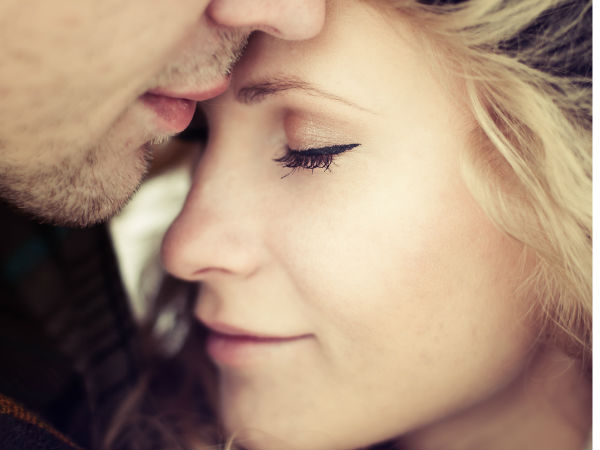 Signs Of A Clingy & Needy Girlfriend - Boldsky com