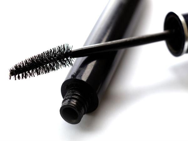 How To Avoid Mascara Smudge Under Eyes? - Boldsky.com