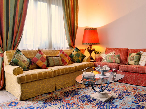 Decoration ideas for a bright holi - Home interior decoration ideas ...