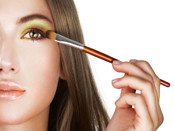Eye Makeup Tips For Round Face - Boldsky.com